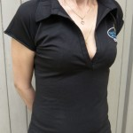 Polo femme noir (Tailles 2 à 4)  12 €